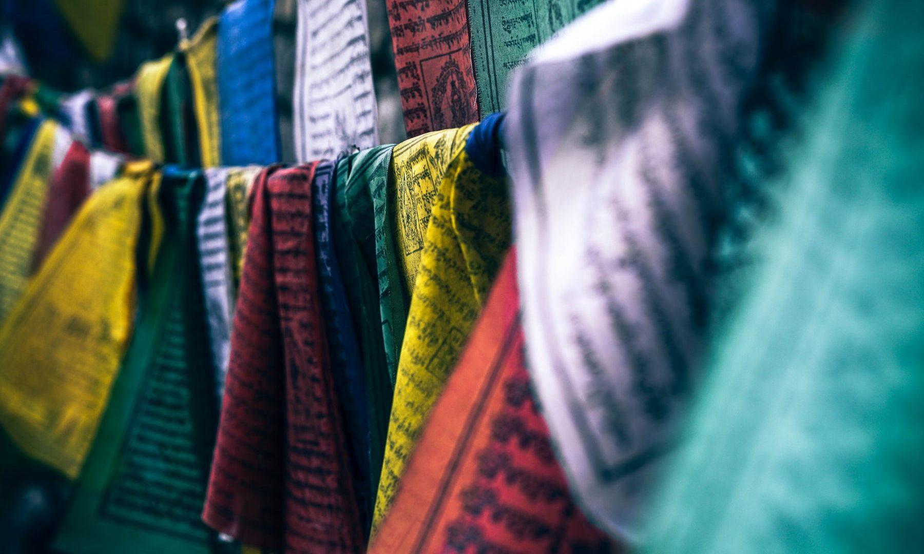 О любителях белого, выборе цвета и Ким Кардашян: эксперт рассказала о влиянии оттенков на человека