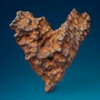 """Уникальная """"валентинка"""": на аукционе в Британии продадут метеорит в форме сердца"""