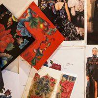 Выставка Alexander McQueen: в Лондоне покажут историю прошлых коллекций