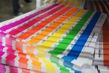 Pantone назвал главные цвета 2021 года