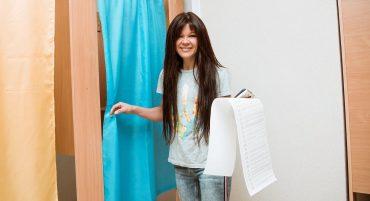 День выборов: как голосовали Притула, Осадчая, Руслана и другие украинские звезды