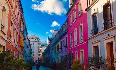 Жители парижской улицы просят оградить их от инстаграмеров
