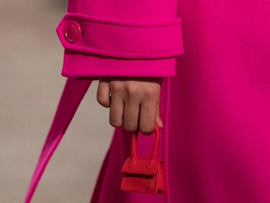 Французский бренд Jacquemus будет продавать крошечные сумки
