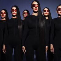 Атака клонов в белье: Ким Кардашян ярко презентовала коллекцию очков