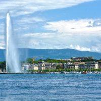 Женева будет давать туристам деньги на расходы