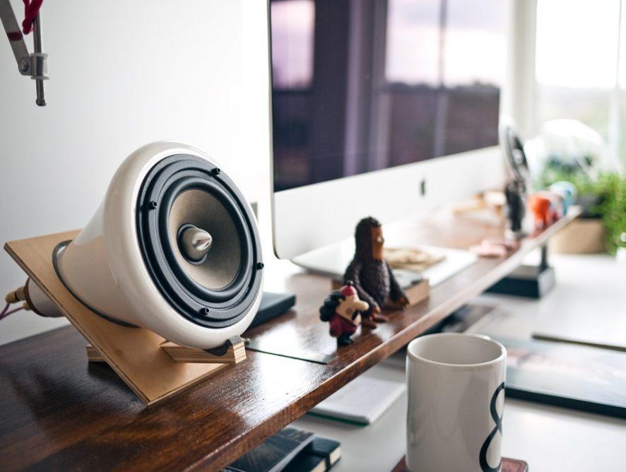 Музыка в офисе улучшает настроение сотрудников: исследование