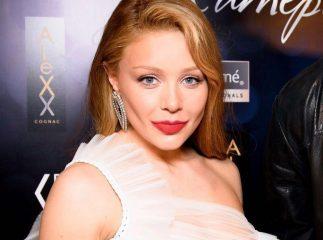 Тина Кароль в прозрачном платье провела вечер с Андреем Хлывнюком