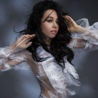 Екатерина Кухар снялась в необычной фотосессии у звездного фотографа