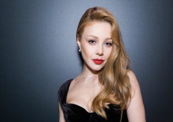 Тина Кароль в бархатном платье посетила открытие Balmain в Киеве