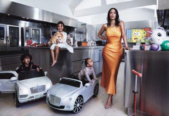 Ким Кардашян впервые украсила обложку американского Vogue