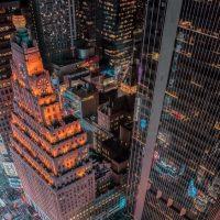В Нью-Йорке запретили рекламу алкоголя на большинстве городских объектов
