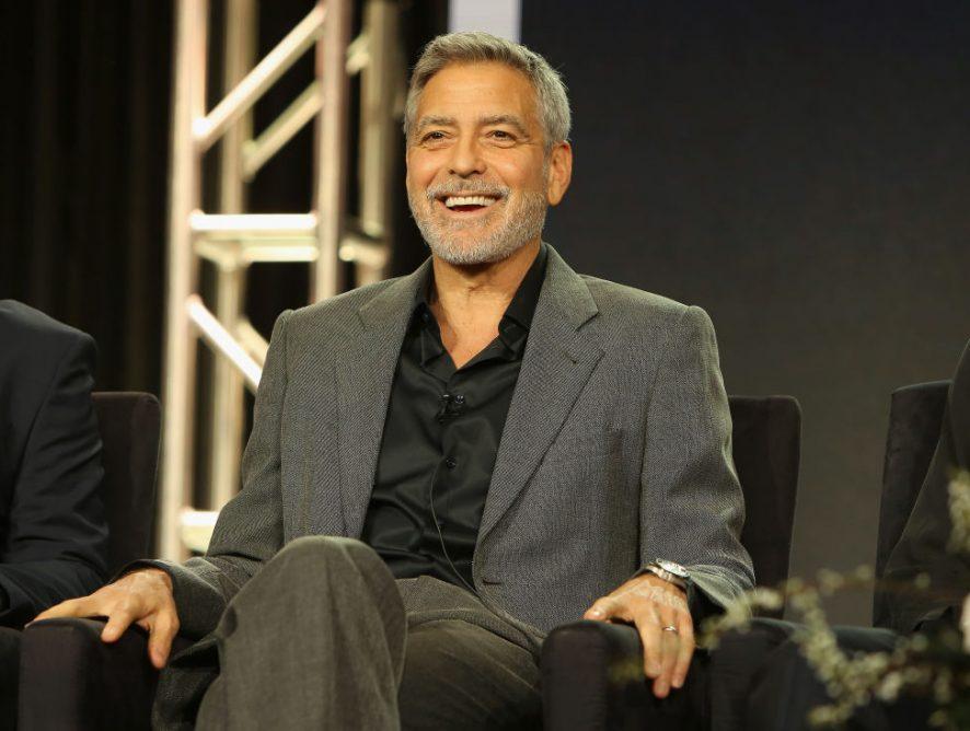 """Джордж Клуни снимет для Amazon экранизацию романа """"Нежный бар"""""""