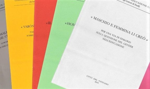 Созданы мужчиной и женщиной: Ватикан выпустил спорное пособие по гендерной теории