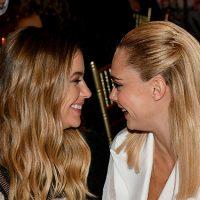 Новая пара Голливуда: Кара Делевинь и Эшли Бенсон впервые вместе вышли в свет