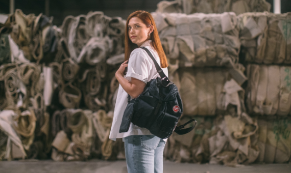 Из океанического пластика: Prada запустили коллекцию сумок, безопасных для природы