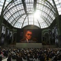 Огромные портреты, видеоперформансы и звездные гости: как прошел вечер памяти Карла Лагерфельда