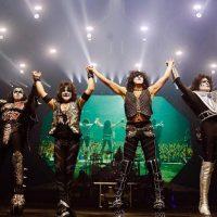 Билык, Горбунов и другие украинские звезды побывали на концерте Kiss