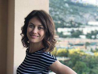 Ольга Куриленко поделилась кадрами с первой фотосессии