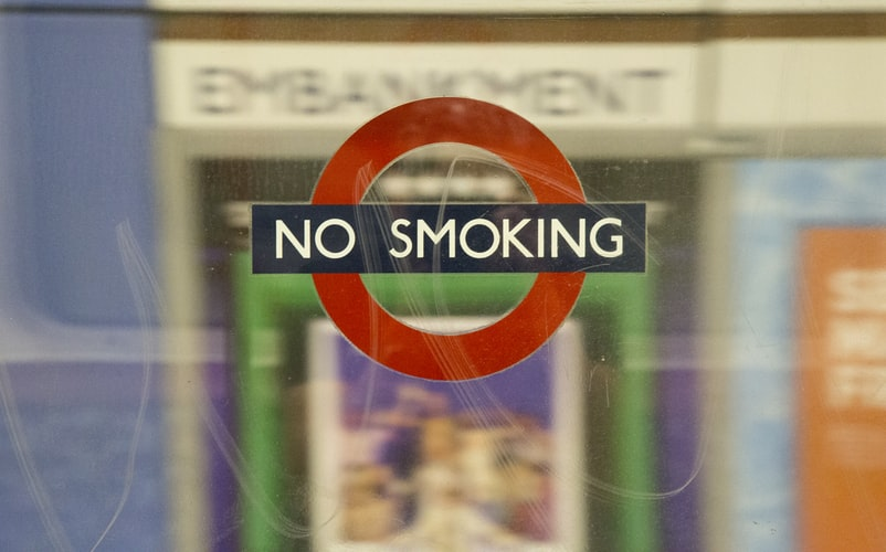 Греческий парламент обяжут соблюдать собственный закон о борьбе с курением
