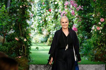 Дизайнер Мария Грация Кьюри удостоилась высшего знака отличия Франции