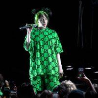 В стиле 90-х: Билли Айлиш выпустила собственную коллекцию одежды