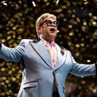 """""""Я больше не могу петь"""": Элтон Джон потерял голос во время концерта"""