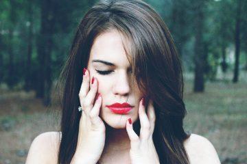 Как спасти макияж: бьюти-средства, которые не подведут в жару