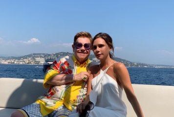 Счастливое лето: Дэвид и Виктория Бекхэм отдыхали на яхте Элтона Джона