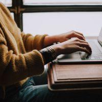 """Как не попасться в """"текстовую ловушку"""": совет эксперта по знакомствам"""