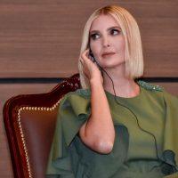 Иванка Трамп в твидовом костюме Dolce & Gabbana пришла на деловую встречу