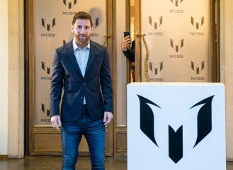 """Нападающий """"Барселоны"""" Месси презентовал собственный бренд одежды"""