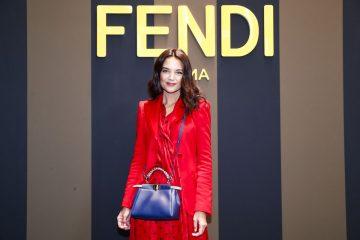 Неделя моды в Милане: Кэти Холмс приехала на модный показ в красном платье