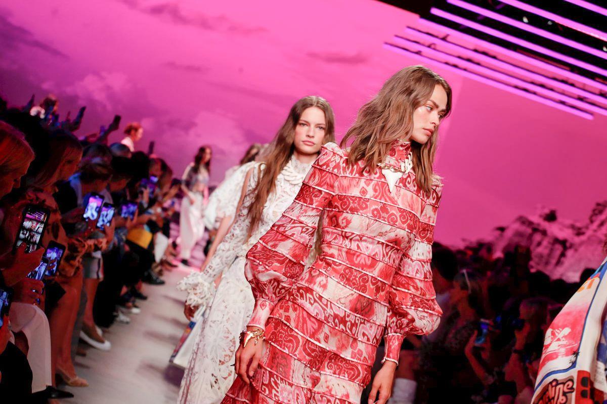 Неделя моды в Нью-Йорке: стильные платья, которые будут на пике популярности в 2020