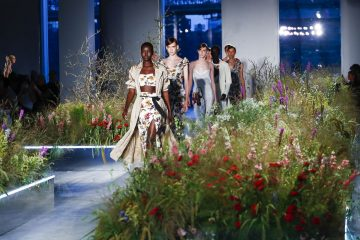Неделя моды в Нью-Йорке: дизайнер Jason Wu показал буйные принты и мятую одежду