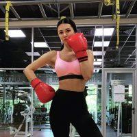 Девушки в боксе: украинская ведущая поделилась спортивными лайфхаками