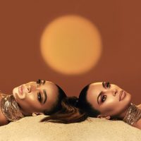 Ким Кардашян и Винни Харлоу представили совместную мейкап-коллекцию для KKW Beauty