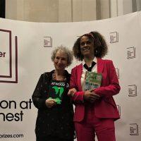 Нарушили правила: Букеровскую премию 2019 присудили сразу двум авторам