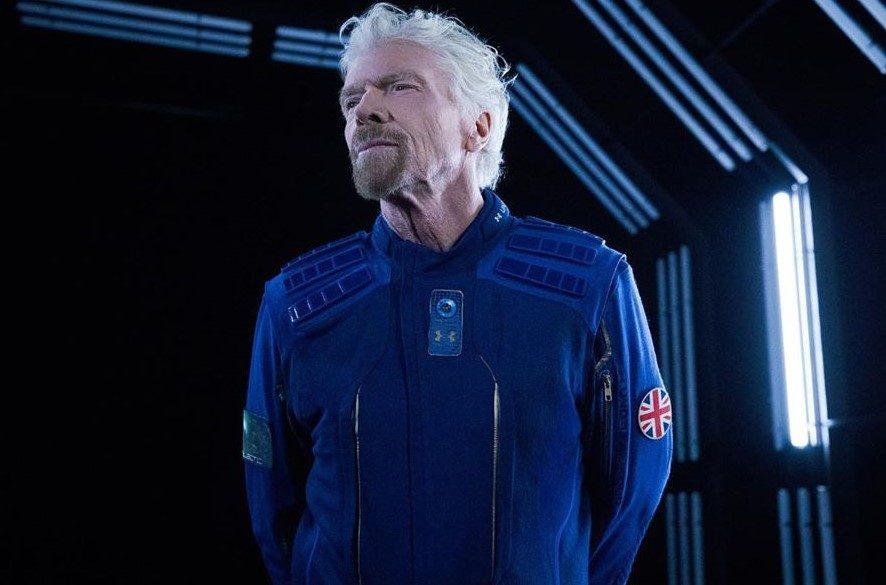 Virgin Galactic снабдит космических туристов костюмами в стиле Star Trek