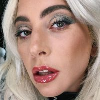 Американский телеведущий поставил Леди Гагу в неловкое положение