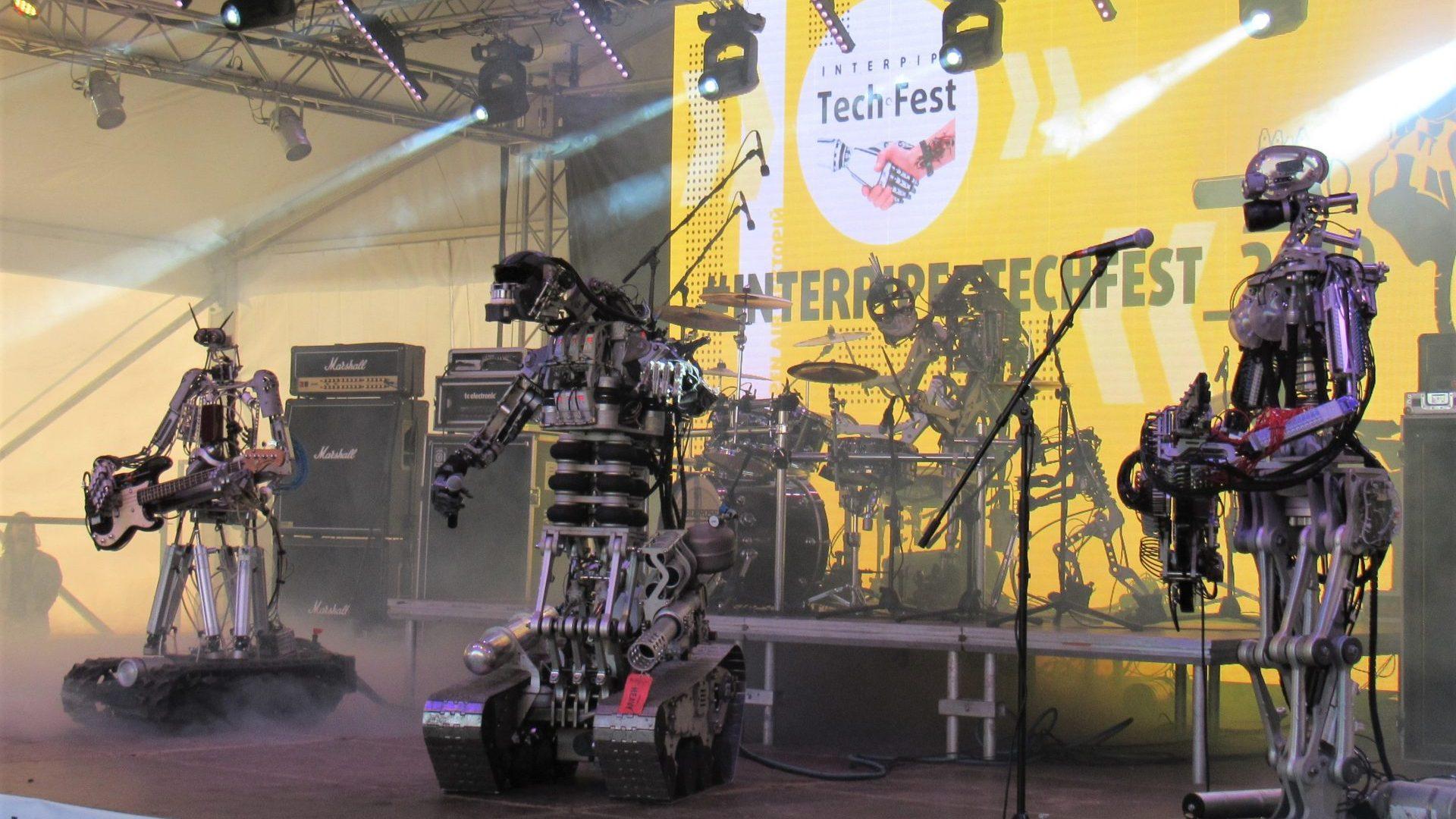 Рок-роботы, трансформеры и летающие бочки: как прошел Interpipe Tech Fest 2019
