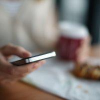 Не стоит следить за бывшими в приложениях для знакомств – эксперты