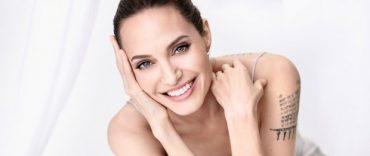 Обнаженная Анджелина Джоли снялась для французского глянца