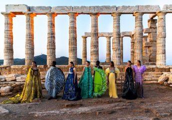 Мэри Катранзу провела показ в храме Посейдона