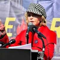 81-летнюю Джейн Фонду арестовали за климатический протест