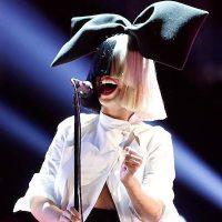 """""""Боль деморализует"""": Sia рассказала о хроническом заболевании"""