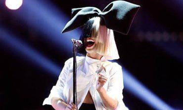 Певица Sia усыновила двух 18-летних юношей