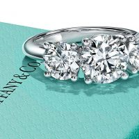 В компании Tiffany & Co подтвердили интерес со стороны LVMH