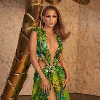 Культовое платье Джей Ло стало предметом судебного спора