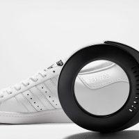 Adidas и Prada показали сумку и кроссовки из совместной коллекции