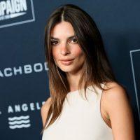 Соблазнительное мини: Эмили Ратаковски позировала на вечере в Голливуде